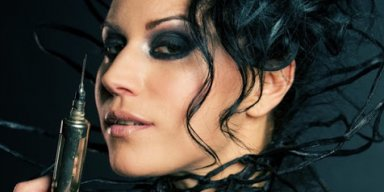 LACUNA COIL Plays Down Coronavirus 'We Fear Nothing'