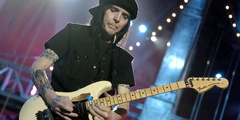 MICK MARS Solo Album Is Ready; MÖTLEY CRÜE Fans Will Get What They're Expecting