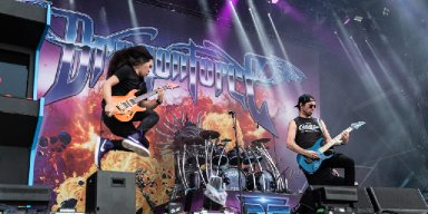 DRAGONFORCE To Kick Off US Headlining Tour This Week