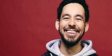 SHINODA POKES FUN AT PANIC BUYING