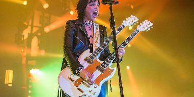 """LZZY HALE On Coronavirus - """"The Whole 'You Can't Scare Us' Mentality Is Ridiculous"""""""