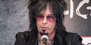 NIKKI SIXX Blasts People Who Disregard Stay-At-Home Orders