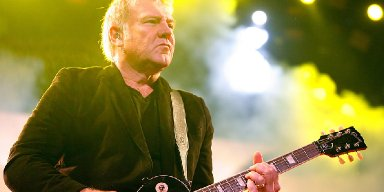 LIFESON DOESN'T FEEL INSPIRED TO PLAY MUSIC