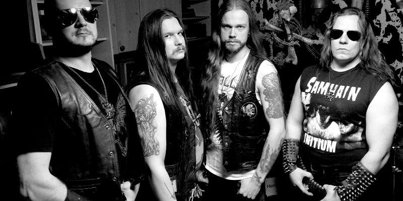 Finland's FRONT stream new IRON BONEHEAD mini-album at MetalBite.com