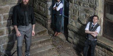 NEW MODEL ARMY guitarist Marshall Gill returns with BLACKBALLED, new METALVILLE album