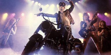 ROB HALFORD To Closeted Gay Metalheads: 'Have A Good Time With Your Life And Don't Be Afraid'