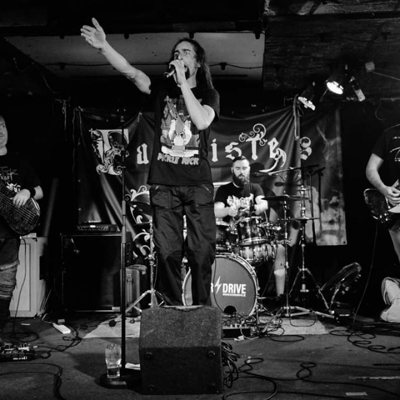 New Promo: Fabuliste - Knock On The Roof - (Progressive Metal)