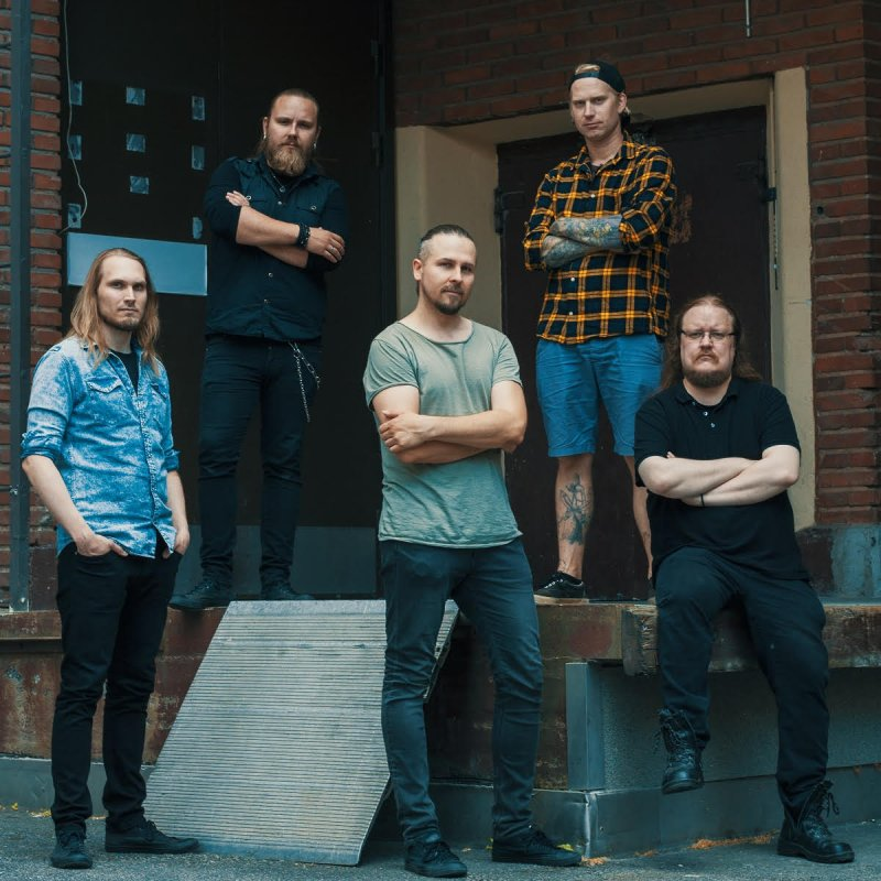 Atmospheric metal band Alase released a new single and music video!