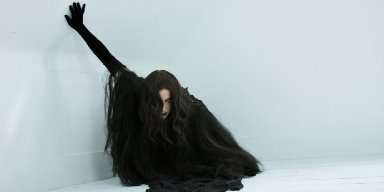 "Chelsea Wolfe Releases New Song ""Vex"""
