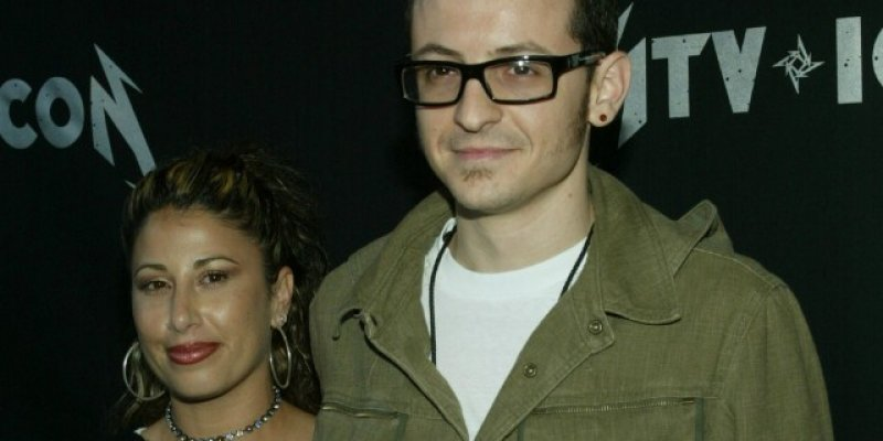 CHESTER BENNINGTON's Ex-Wife: 'I Pray From My Soul That He Is at Peace'