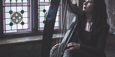 "Lindsay Schoolcraft releases ""Worlds Away"" video"