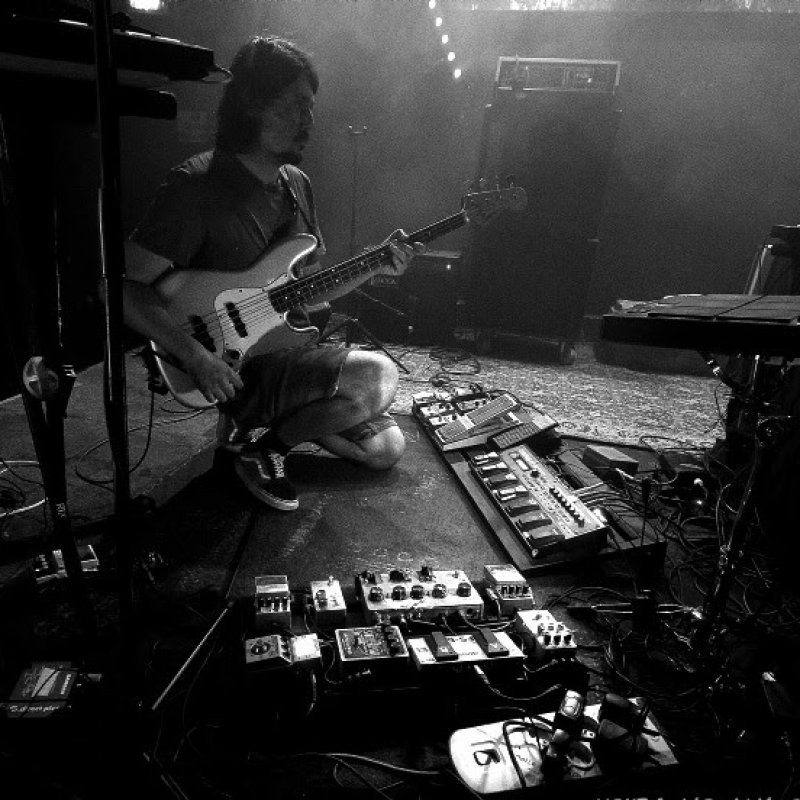 French Space/fuzz/ambient/post-everything/noise One-Man-Band L'Orchidée Cosmique shared new Live Session recorded in a bus / New EP 'M87' coming out soon.